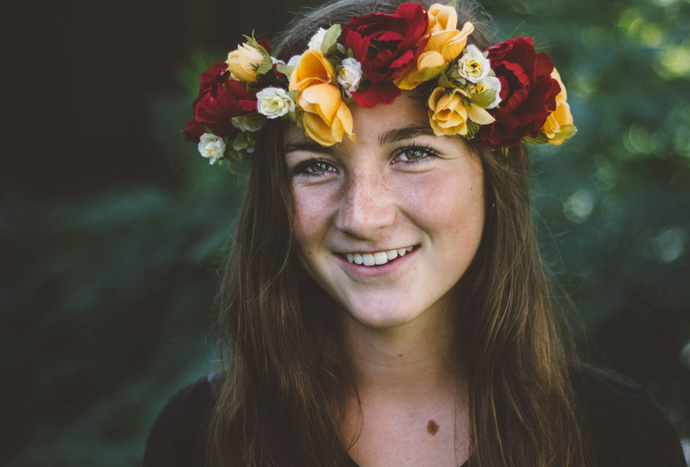 How to Create Beautiful Floral Headpieces This  Festival Season
